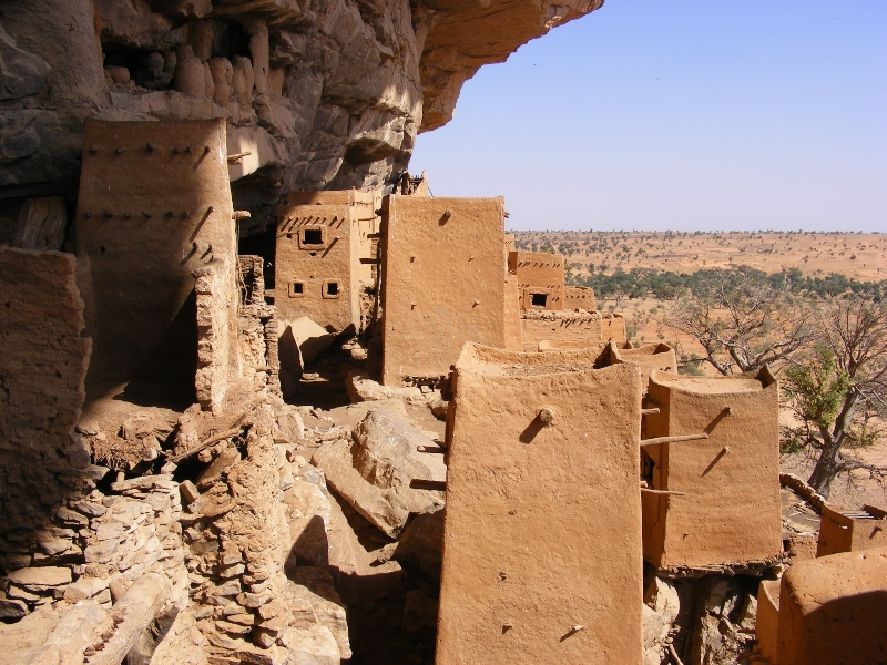 Dogon Cliff Houses1